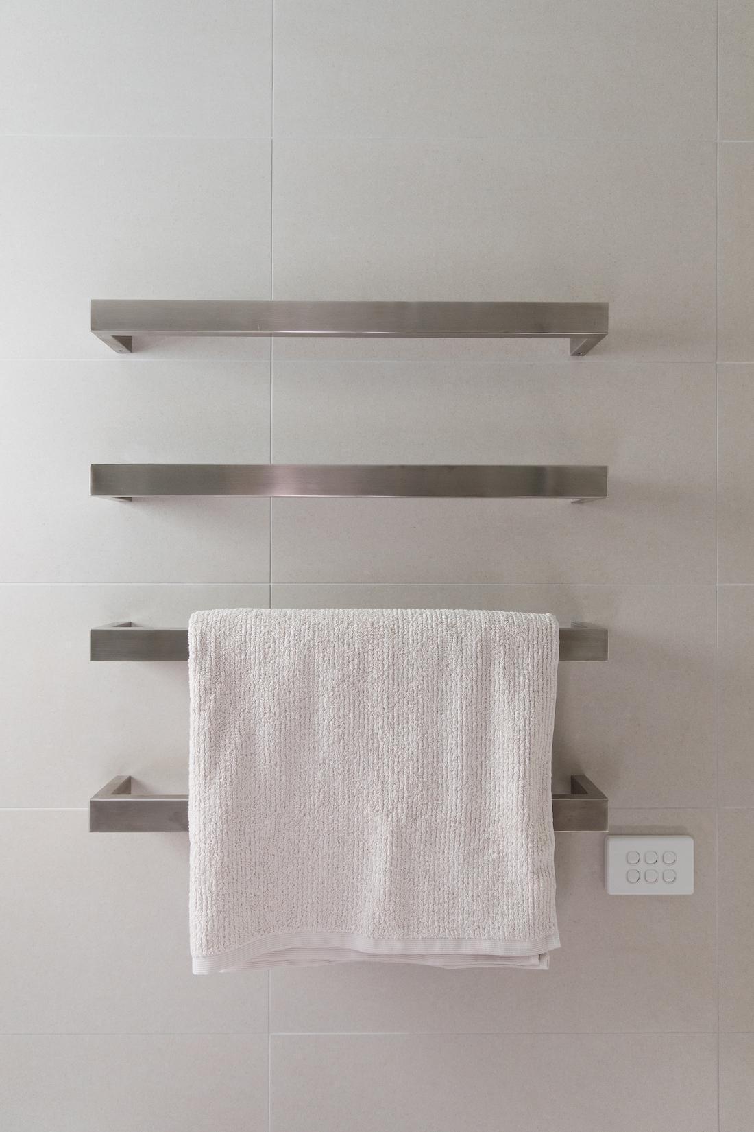 Heated towel rail bars