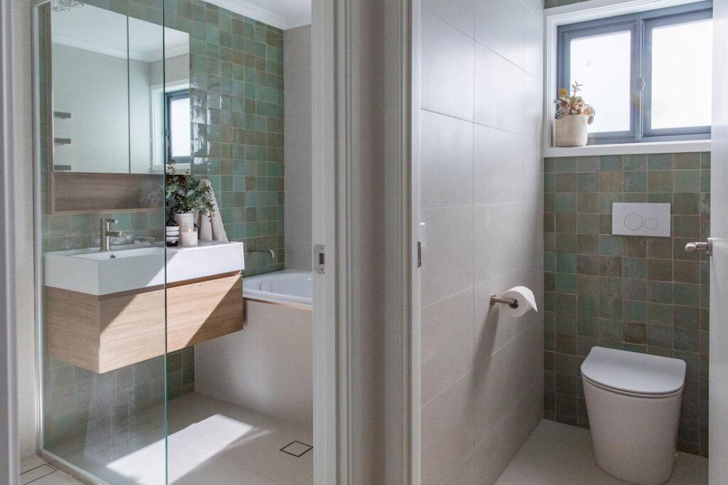 Evatt bathroom and toilet