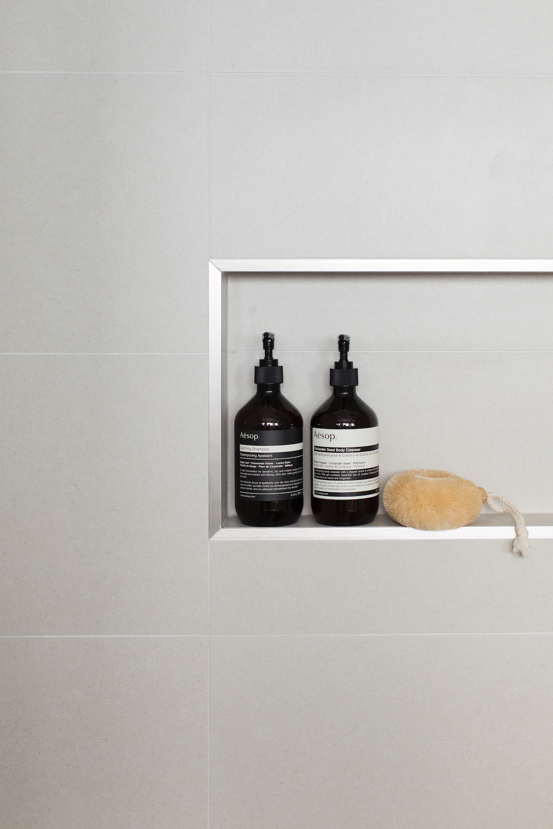 Shower niche with silver angle